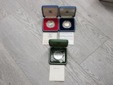 3 ROYAL MINT UK SILVER PROOF CROWNS INCLUDES 1972 SILVER WEDDING, 1977 JUBILEE AND 1981 DIANA