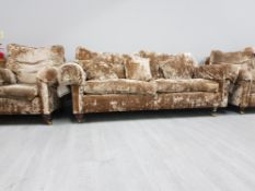 AMAZING 3 PIECE SUITE IN CRUSHED VELVET FILLED WITH DUCK FEATHERS COMPRISING 2 ARM CHAIRS AND 3