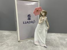 LLADRO 7636 AFTERNOON PROMENADE IN ORIGINAL BOX