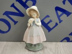 NAO BY LLADRO GIRL PINK DRESS BLUE APRON WITH HAT AND FLOWERS