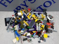 1 KG COLLECTION OF LEGO AND MEGA BLOCKS BUILDING CONSTRUCTION SET
