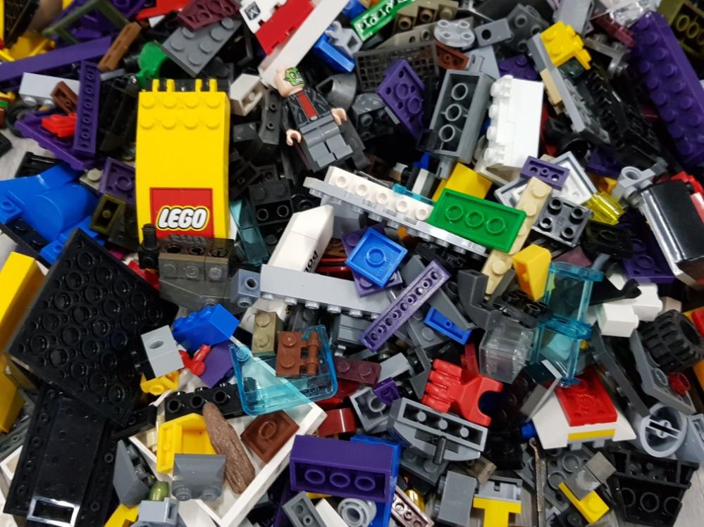 1 KG OF LEGO AND MEGA BLOCKS BUILDING CONSTRUCTION SETS - Image 2 of 3