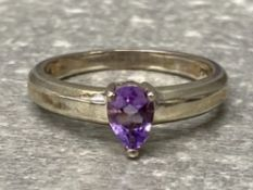 Silver ring set with pear shape amethyst, 3.6g size s