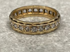 9ct gold band ring with synthetic spinels 2.85g size N