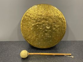 Large brass Chinese Gong and mallet 40cms