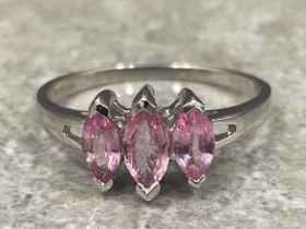 9ct white gold pink sapphire ring size N 1.93g