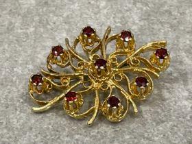 9ct gold garnet 9stone brooch 9.2g 4x3cms