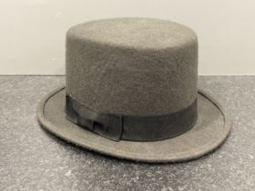 100% wool top hat with adjustable inner band 60cms