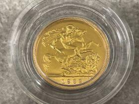 22ct gold 1982 half sovereign coin