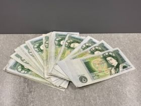 Banknotes 1970-1980s £1 notes (50) in mixed grade
