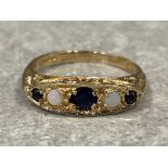 Ladies 9ct gold sapphire and opal 5 stone ring. 2g size K