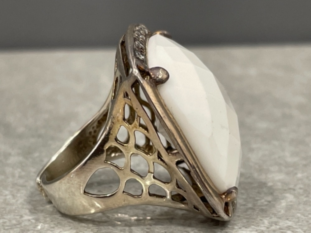 Ladies silver large white stone ring. Set with CZs - Image 2 of 2