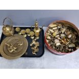 Tray of miscellaneous brassware mainly eastern style together with a large tin of metal brass effect