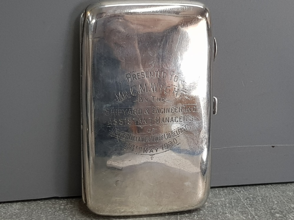 """Large hallmarked Birmingham silver cigarette case dated 1919, 173.7g, nicely etched """"presented to Mr"""