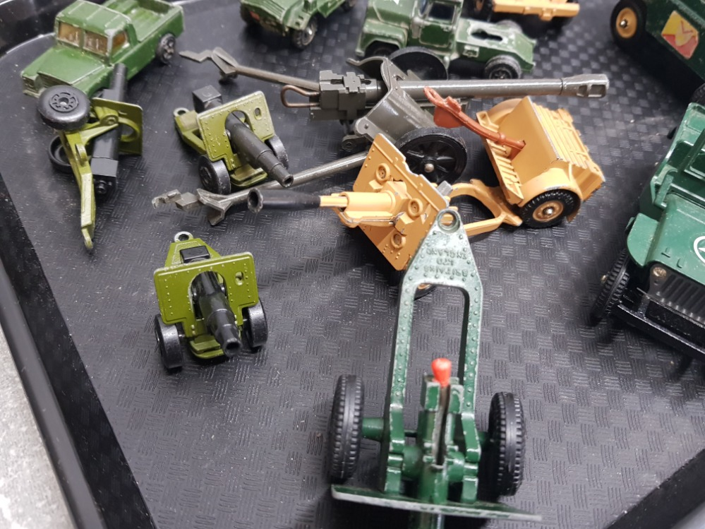 Tray of military related die-cast toys including Britains gunner, Corgi armored jeep etc - Image 2 of 3
