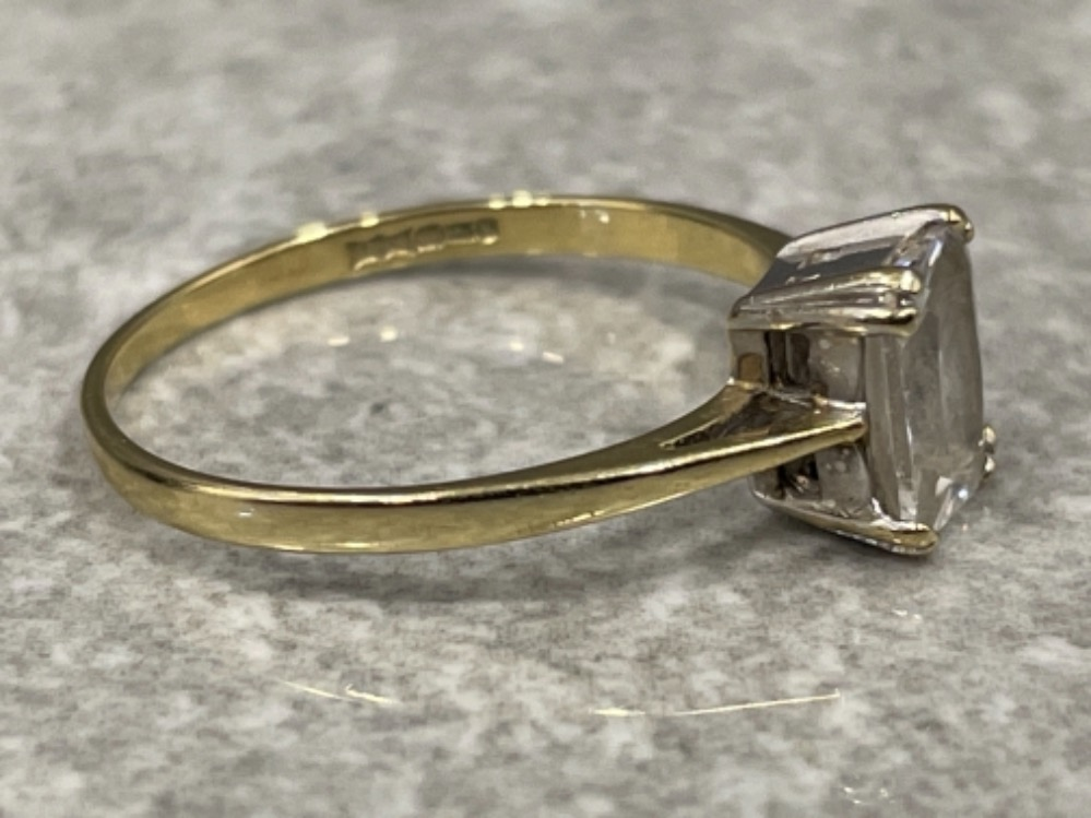 Ladies 9ct gold CZ ring. Emerald cut, 1.6g size O - Image 2 of 2