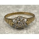 Ladies 9ct gold CZ cluster ring. 1.2g size N1/2