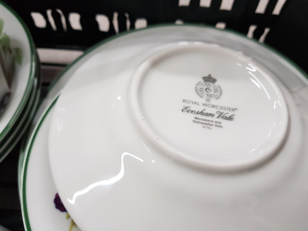 Dinner and teaware to include Wedgwood 'Aztec', Denby, Royal Worcester etc in two boxes. - Image 3 of 5