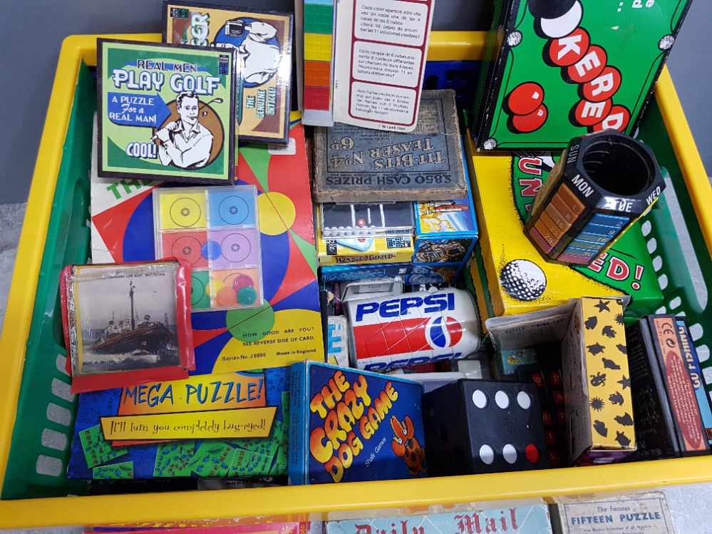 Crate of vintage puzzle games Inc golf, snooker themed etc - Image 2 of 2