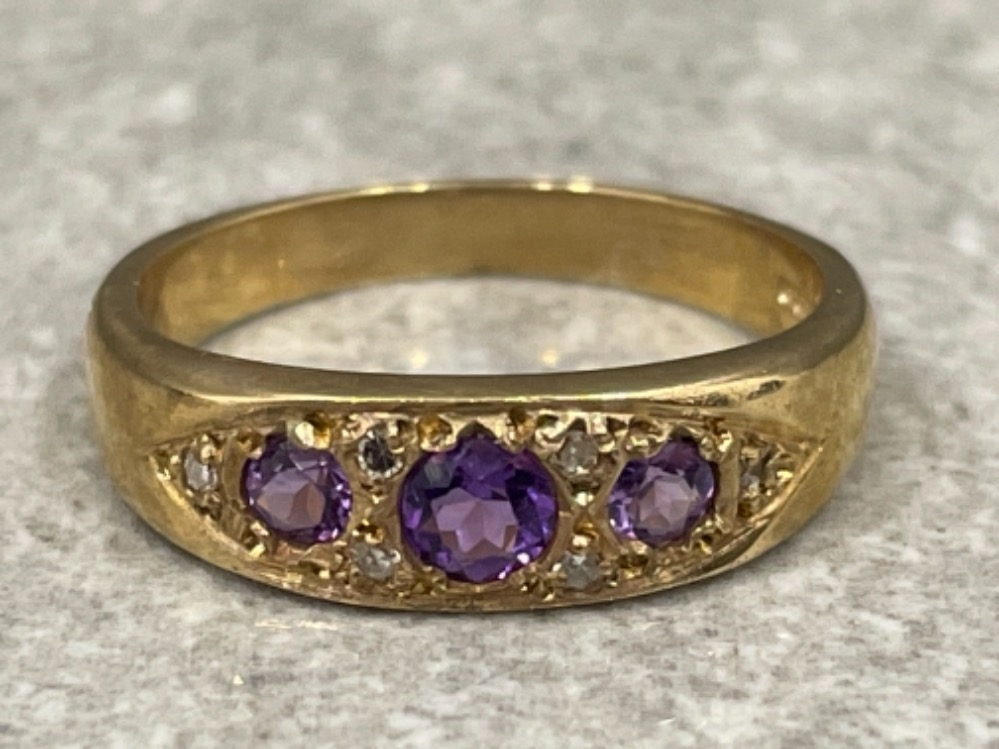 Ladies 9ct gold Amethyst and diamond ring. 2.7g size L