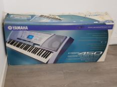 Yamaha PSR 450 electric keyboard with lead and box