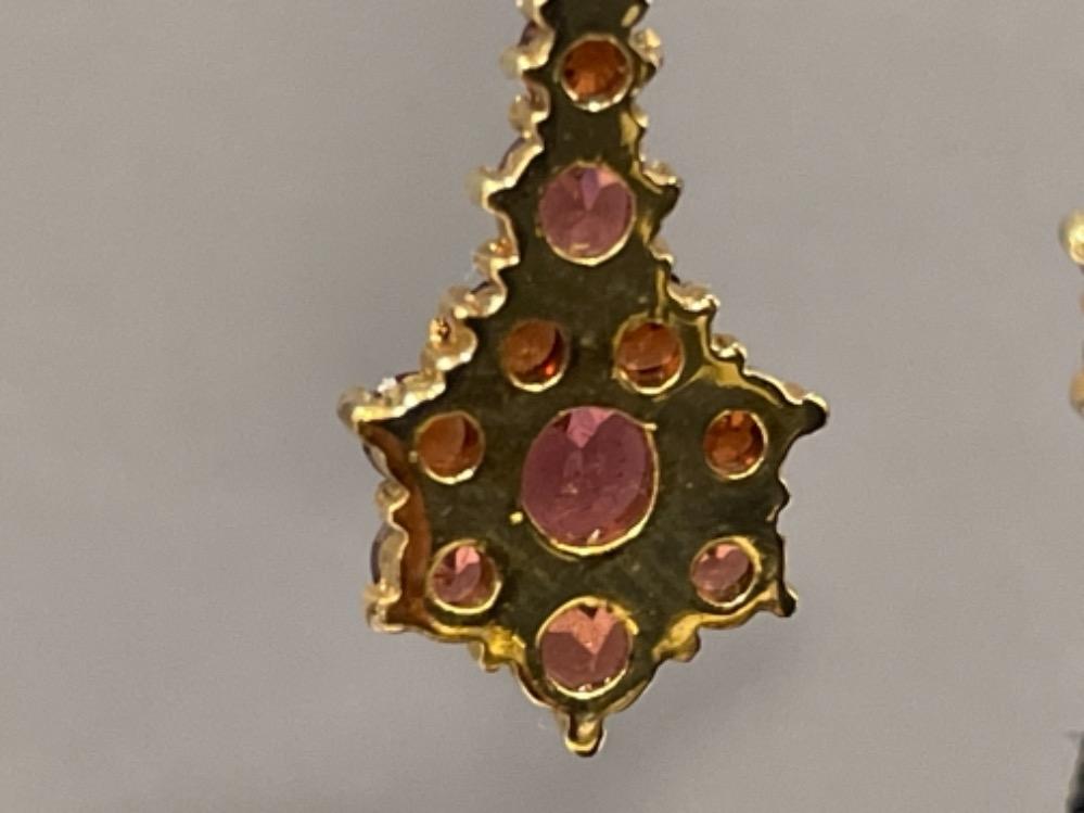 Pair of 9ct gold Garnet drop earrings, 4.3G - Image 3 of 3