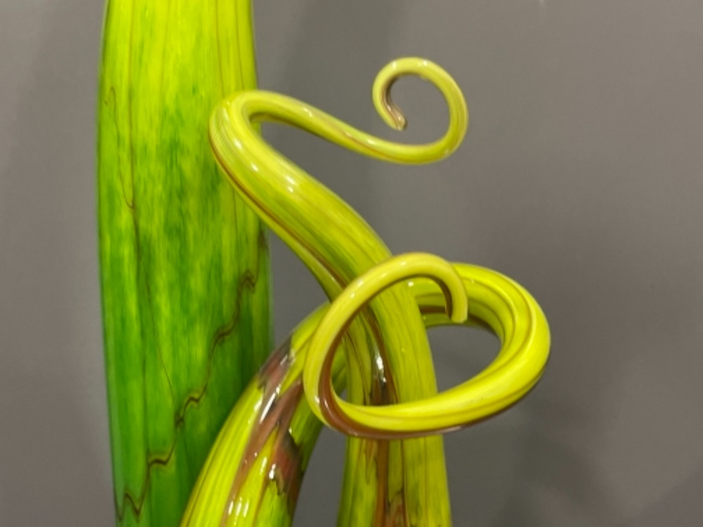 Art glass handmade organic sculpture with coiling tentacles by Roger Tye and a complimentary SAS - Image 3 of 4