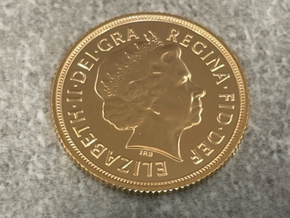 22ct gold 2014 full sovereign coin unc - Image 2 of 2
