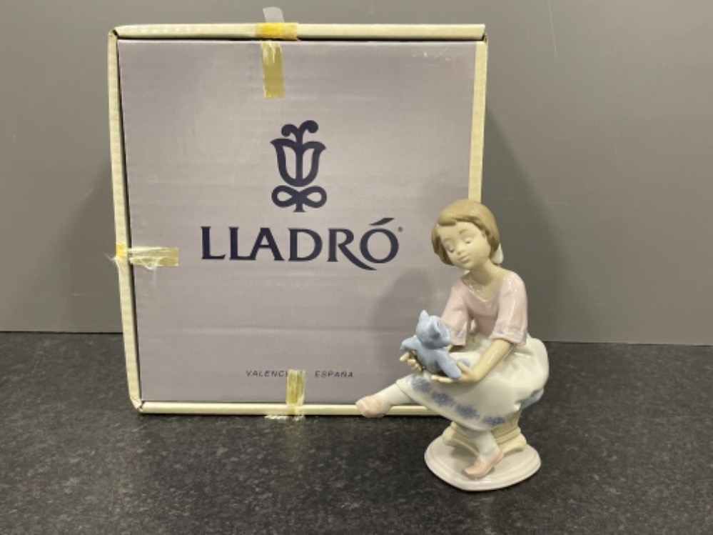 """Lladro 7620 """"Best friend"""" in good condition and original box"""