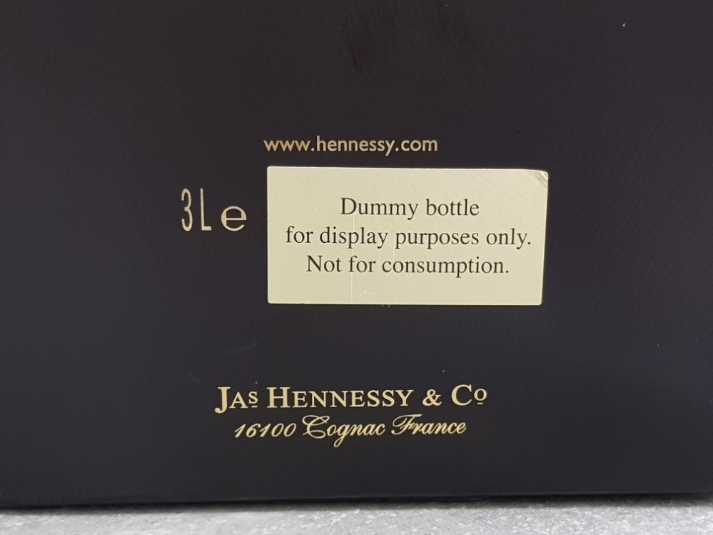 Large Dummy bottle of Hennessy X.O extra old cognac, with original box, for display purposes only - Image 3 of 3
