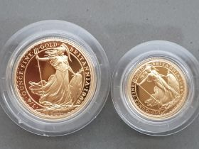 UK gold 1988 Britannia two coin proof set containing ¼Oz & 110 Oz pure gold coins, cased with