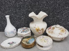 Miscellaneous pottery includes Wedgwood