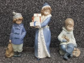 Nao by Lladro figures x3 in good condition