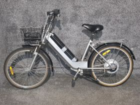 Wuxhing electric bicycle with charger (5 speed) ready to go