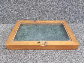 Tabletop display case 60cm x 38cm x 7cms