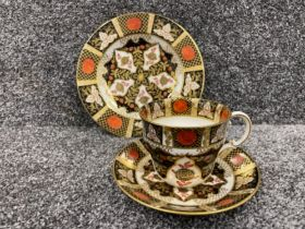 Royal Crown Derby Abbeydale Imari patterned trio. In good condition