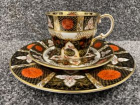 Royal Crown Derby Abbeydale Imari patterned trio. Handle damaged repaired otherwise good condition