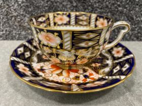 Royal Crown Derby Imari patterned teacup and saucers x7