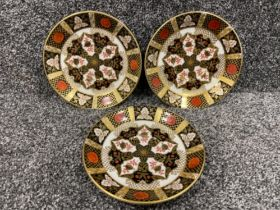 Royal Crown Derby Abbeydale Imari patterned x3 tea saucers. In good condition