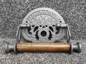 Cast metal st pancras fixture toilet roll holder