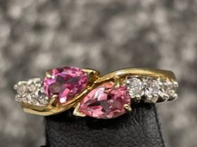 Ladies 9ct gold pink topaz and CZ ring. Size M 2.3G
