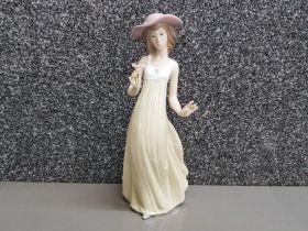 Nao by Lladro figure 1158 Gentle breeze, height 26cm