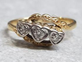 18ct yellow gold & Diamond 3 stone Heart ring, size M, 2.6g gross