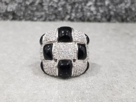 Silver stone set bellezza ring with black and white stones in original box size n1/2 18.6g gross