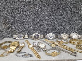 Bag of 20 assorted watches includes ladies and gents