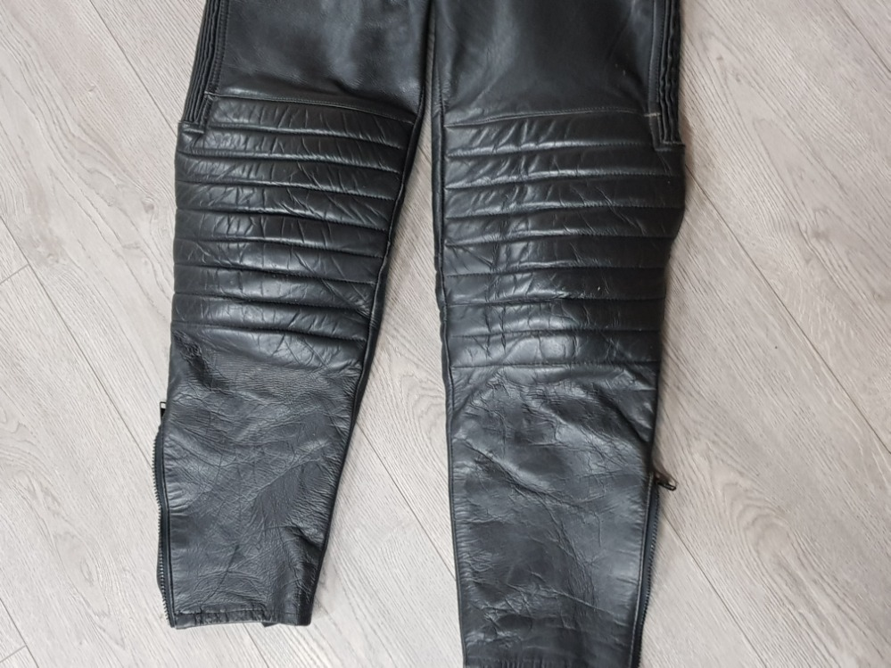 Sporter design leather hide dungarees size 34 - Image 3 of 3