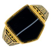 A late Victorian 18ct gold banded agate and black enamel memorial signet ring.Hallmarks for