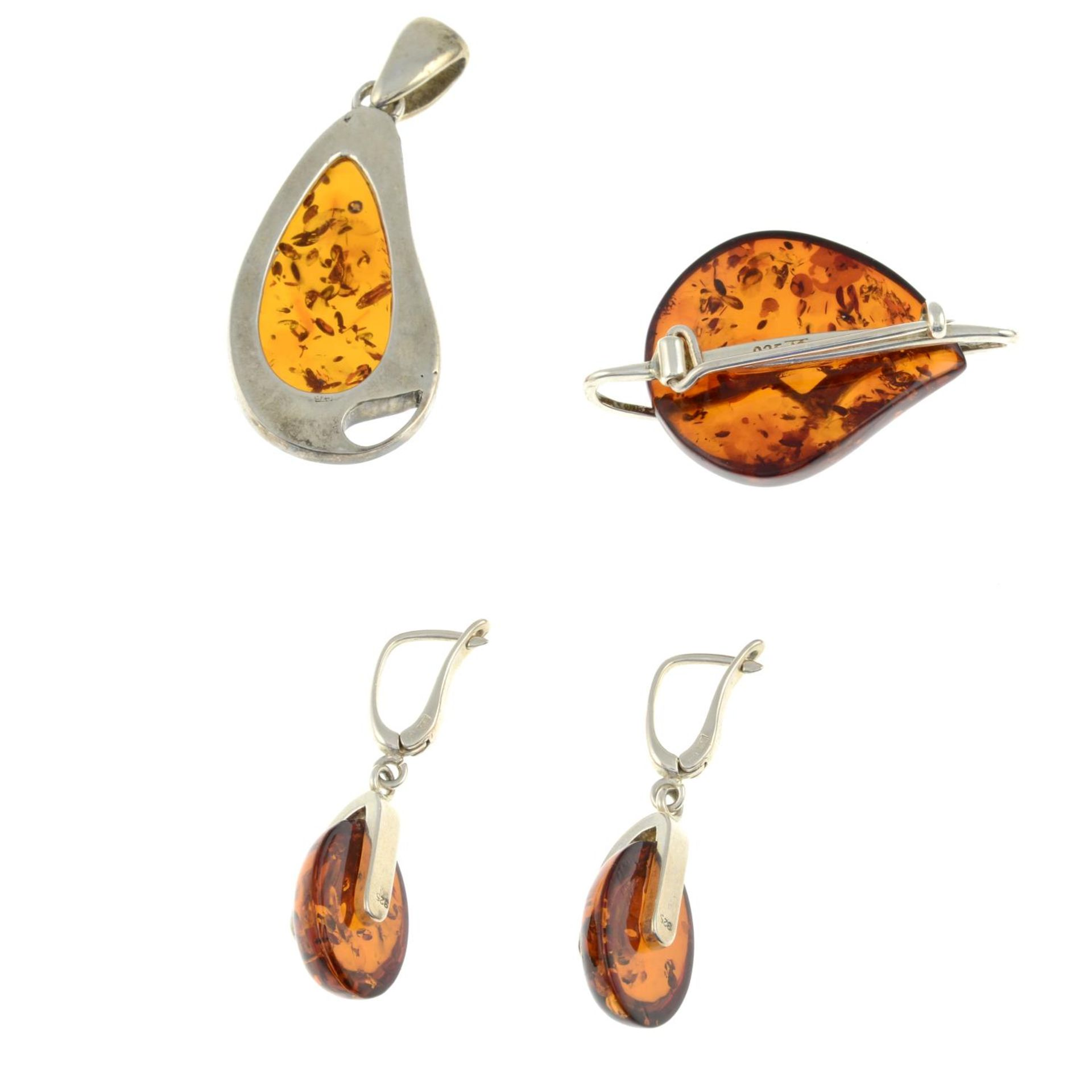 A selection of amber jewellery and a pair of tigers eye cufflinks.Many with marks to indicate - Image 2 of 3