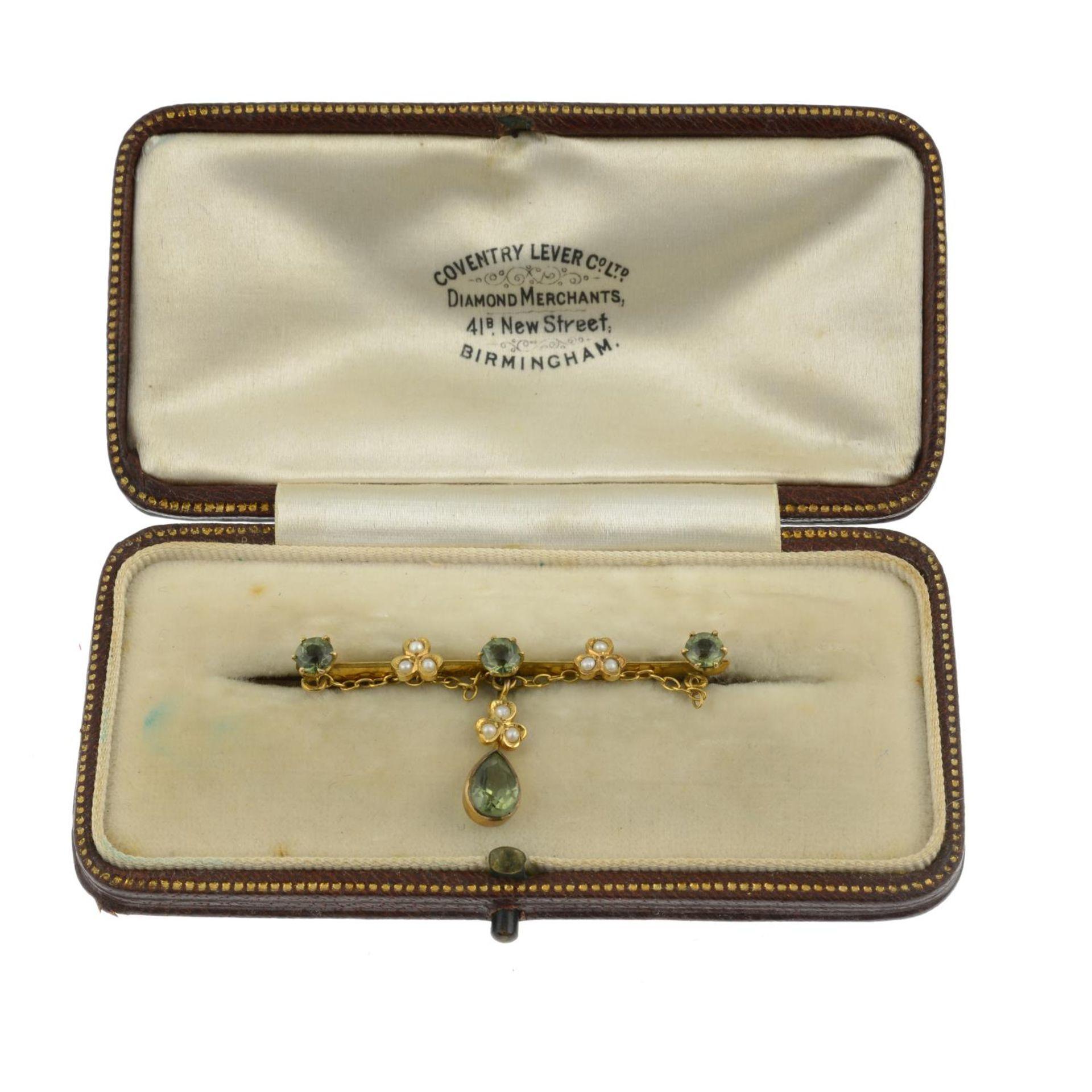 An Edwardian peridot and split pearl brooch. - Image 3 of 3