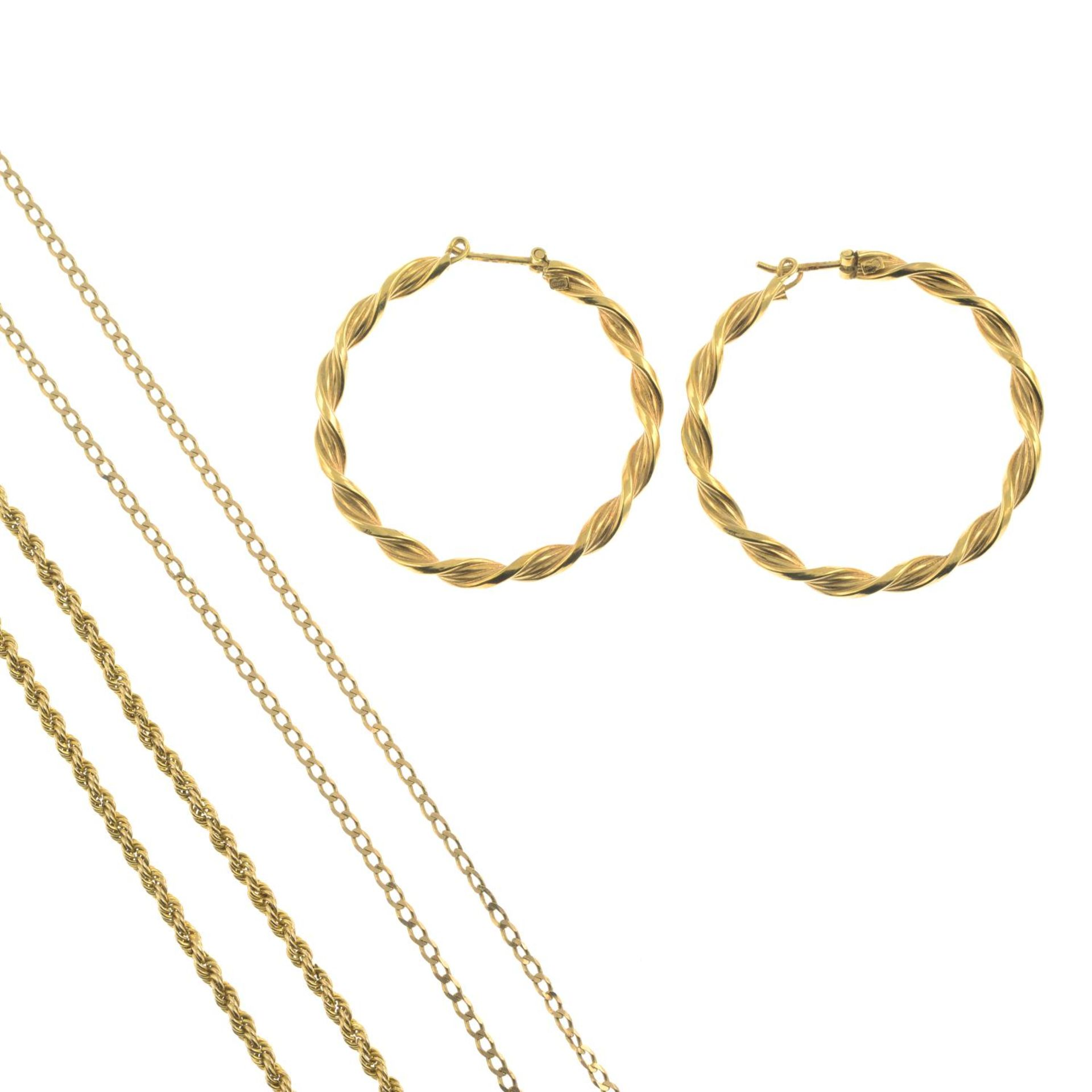 Four items of 9ct gold jewellery,
